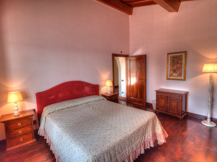 Holiday bungalow Fattoria De Medici (9p) with WiFi fireplace and swimming pool in Italy (I-714)