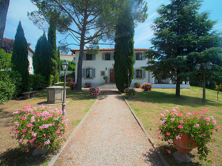 Holiday villa Fattoria De Medici (14p) with pool WiFi and fireplace in Italy (I-715)