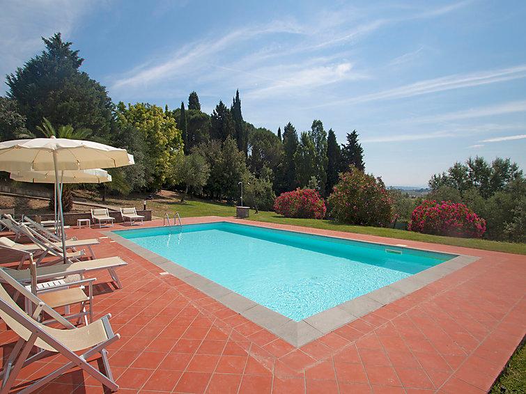 Vakantie villa Fattoria De Medici (14p) met zwembad wifi en openhaard in Italie (I-715)