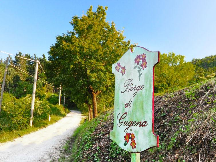 Vrijstaande vakantie villa Il Borgo di Gugena (8p) met zwembad en wifi in het natuurpark Foreste Casentinesi Toscane Italie (I-709)