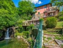 Apartment Giallo, Loro Ciuffenna, Summer