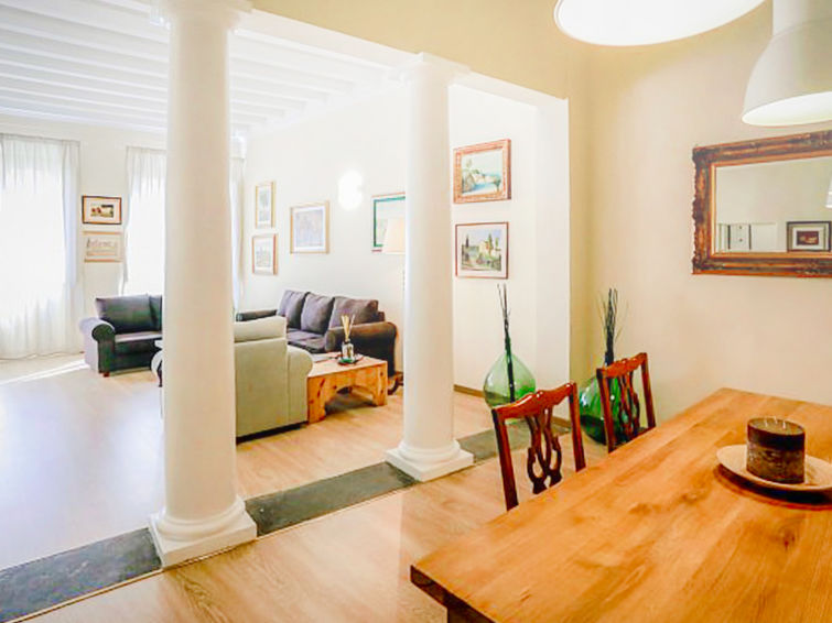 Florence accommodation chalets for rent in Florence apartments to rent in Florence holiday homes to rent in Florence