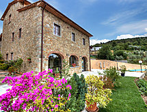 Il Borgo di Gebbia mit Pool und Babybett