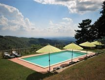 Biancospino con ducha y terraza