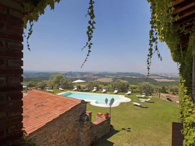 Spacious villa for 16 persons La Veduta (16p) with swimmingpool whirlpool and fireplace in Tuscany Italy (I-700)