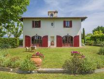 Villa Ponticelli con patio y chimenea