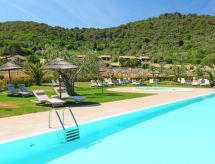Montepitti mit einem Pool für Kinder und Geschirrspüler