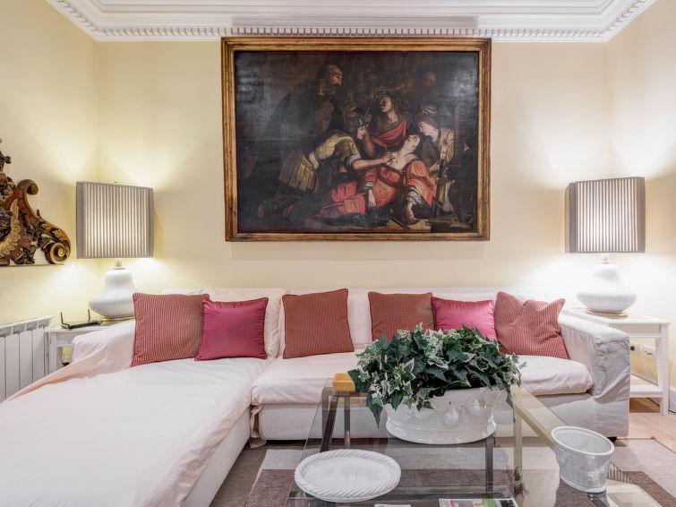 Apartment Augustus Luxury Apartment, Rome: Historical City Center, Summer