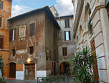 Rome: Historical City Center - Apartment Campo de' Fiori Bright