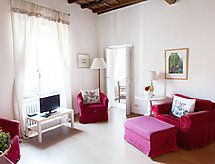 Rome: Historical City Center - Apartment Farnese Stylish