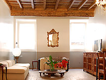 Campo de Fiori Luxury One Bedroom