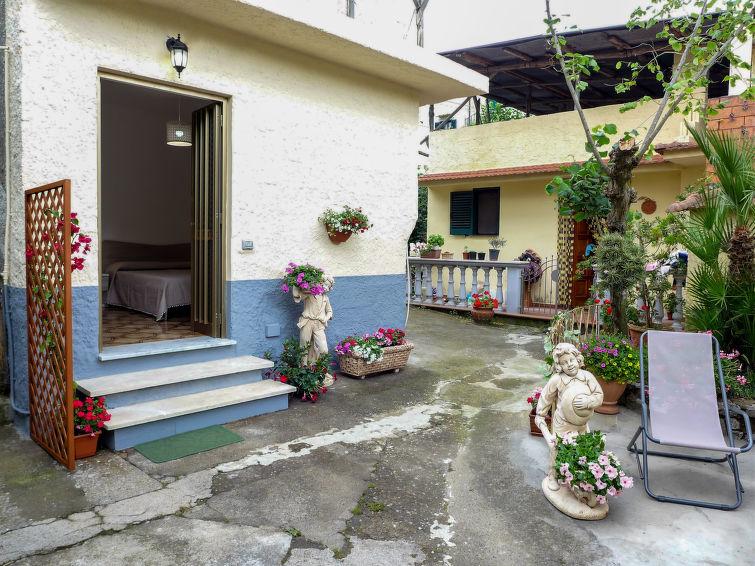 Piccolo Ufficio Di Nostra Signora : Casa il piccolo nocelleto a massa lubrense italia it