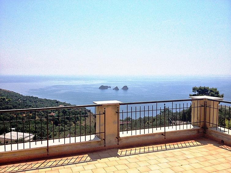 Vakantie villa La rosa dei venti (8p) met uitzicht op zee, Italie (I-766)
