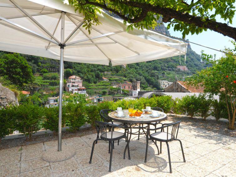 Ferienwohnung Relais Convento San Basilio mit Mikrowelle und TV