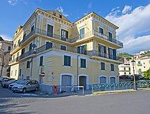 Palazzo Della Monica med barneseng og tv