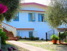 Villa Clara con Vista Mare mit Waschmaschine und Fernseher