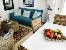 Le Castella Resort con letto per bambini und piscina