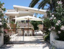 Taviano - Vakantiehuis flower beach villa