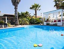 villa cotriero pool