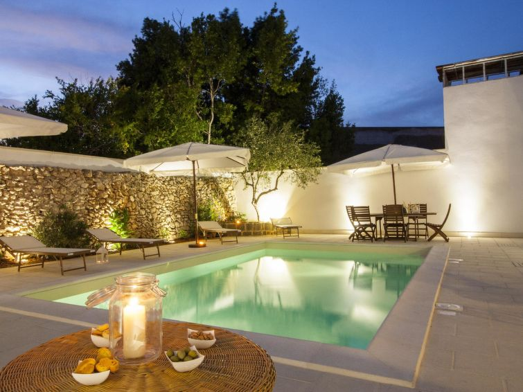 Ferienhaus Courtyard With Pool In Racale It6772361 Interhome