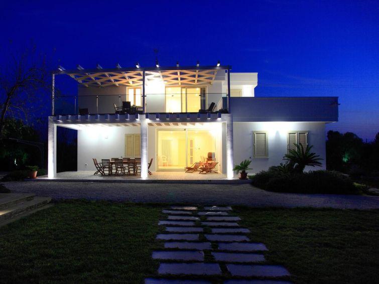 Villa GiadaLE07501632000021156 Accommodation in Lecce