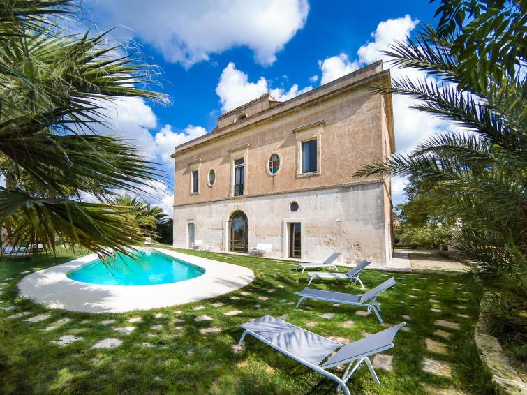 Lecce accommodation villas for rent in Lecce apartments to rent in Lecce holiday homes to rent in Lecce