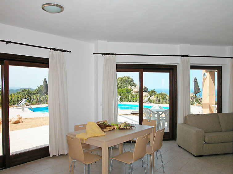 Holiday bungalow Sette (10p) with sea view and private swimmingpool at Sardinie in Italy (I-727)