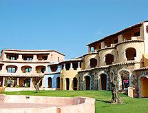 Il Borgo terasszal és mosógéppel