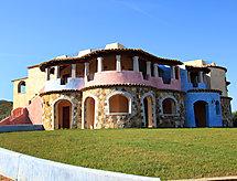 Il Borgo mit Rezeption und Babybett
