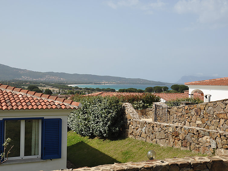 Holiday villa Tanaunelle (5p) with private swimmingpool 450 meter from the sea at Sardinie Italy (I-751)