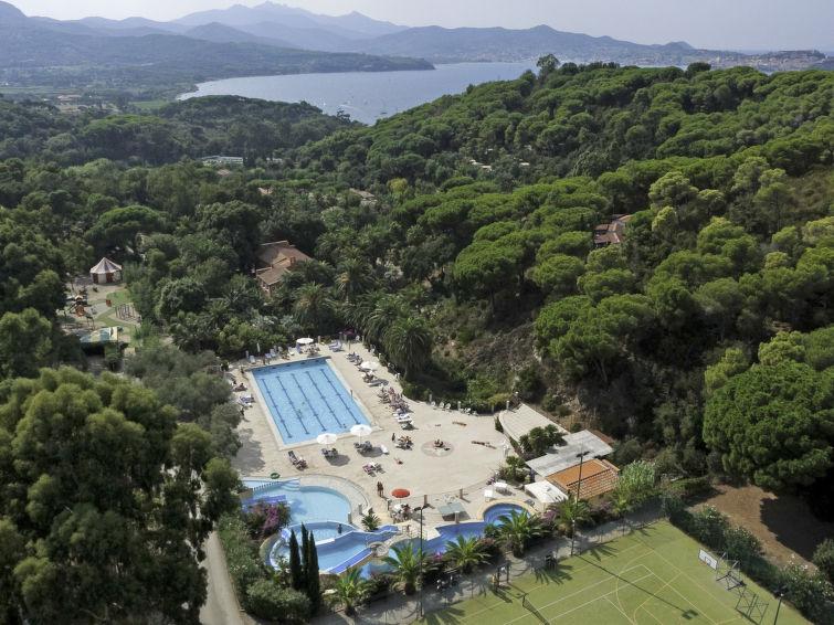 Ferienhaus Rosselba mit Parkplatz und einem Pool für Kinder