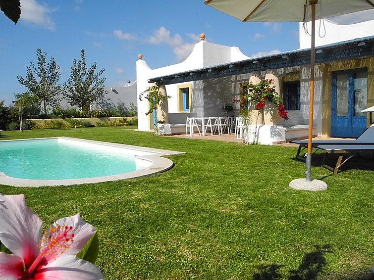 Villa Marinara (8p) met zwembad en prachtig uitzicht op 1 km van de zee op Sicilie, Italie (I-767)