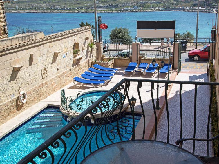 1 BDR standart balcony Dolfin