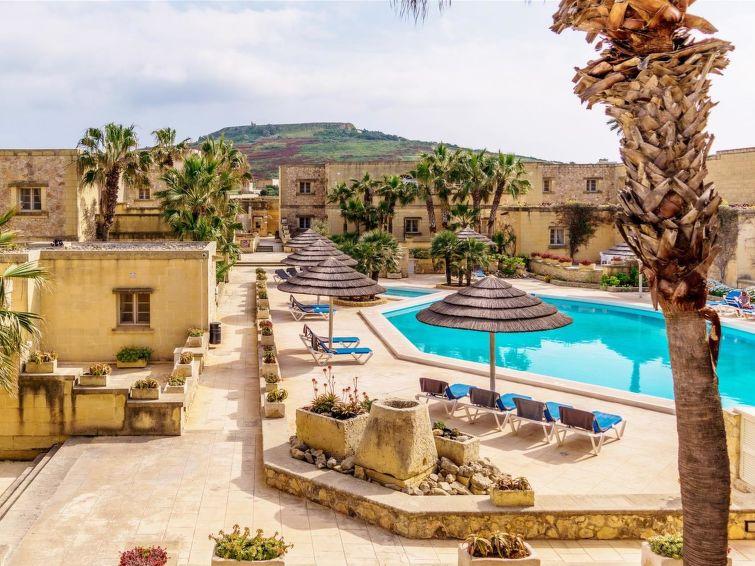 Villas to rent in Malta details