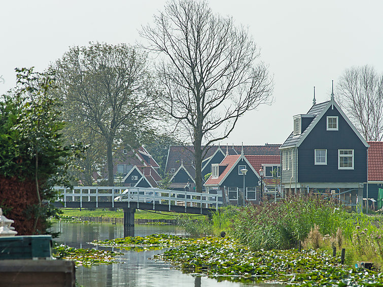 Private holiday accommodation (6p) at Europarcs Villapark de Rijp in Noord-Holland (I-78)