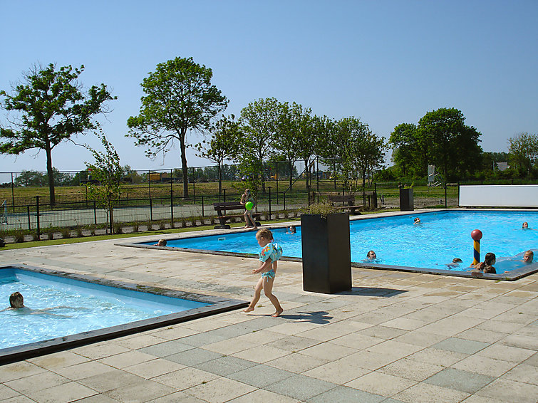 Villa (8p) at Villapark de Rijp with wellness, indoor swimmingpool and outside swimmingpool in Noord-Holland (I-76)