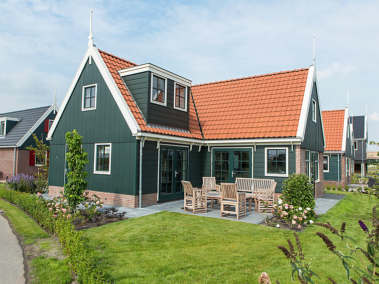 Luxurious bungalow (6p) in Noord-Holland at bungalowpark de Rijp with an indoor and outdoor swimmingpool (I-80)