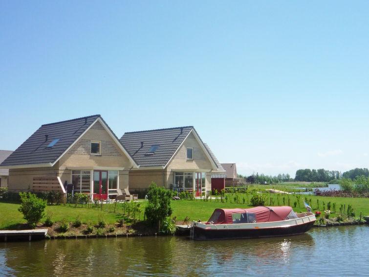 Comfortabele 6 persoons vakantiewoning aan het water op vakantiepark Zuiderzee (I-61)