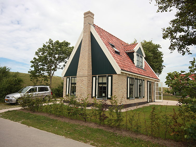 Detached villa (4p) with fireplace at holidaypark Wiringherlant at the sea (I-95)