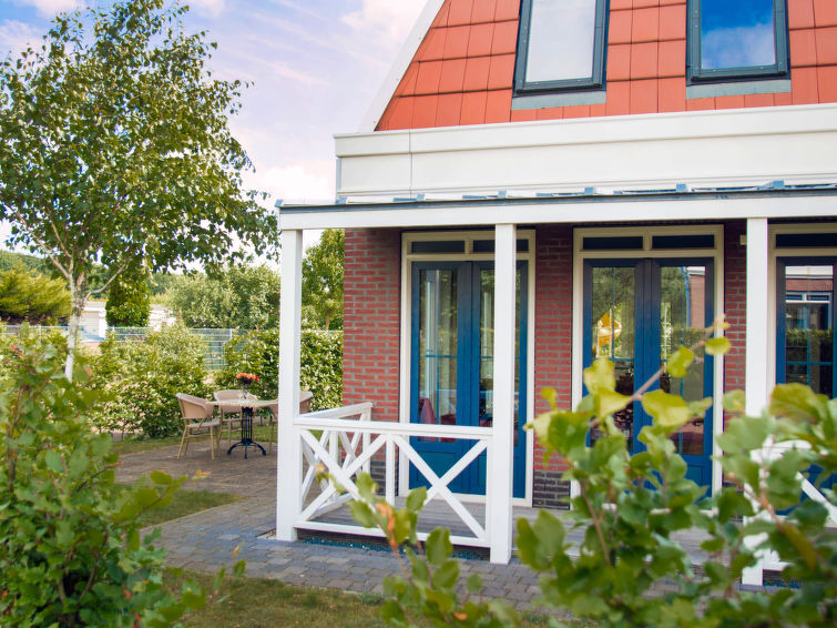 Detached holiday accommodation (6p) at the sea at bungalowpark Tulp en Zee in Noordwijk (I-1)
