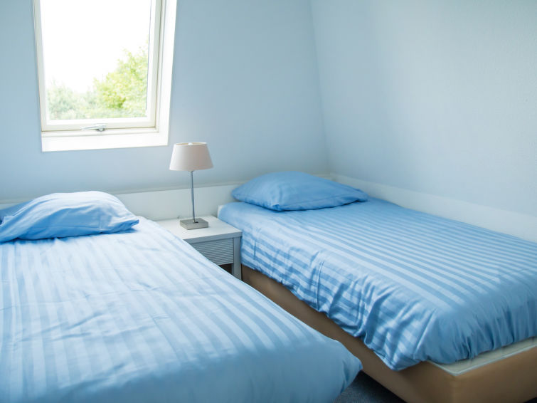 Holiday accommodation at bungalowpark Tulp en Zee at the coast in Noordwijk 6p (I-16)