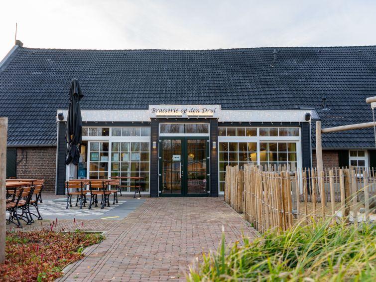 Resort De Kraaijenbergse Plassen - 12