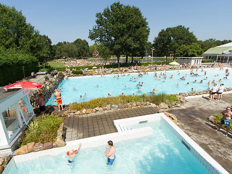 Vrijstaande villa (5p) op Buitenhof De Leistert met overdekt zwembad in Limburg (NL6088.101.1)