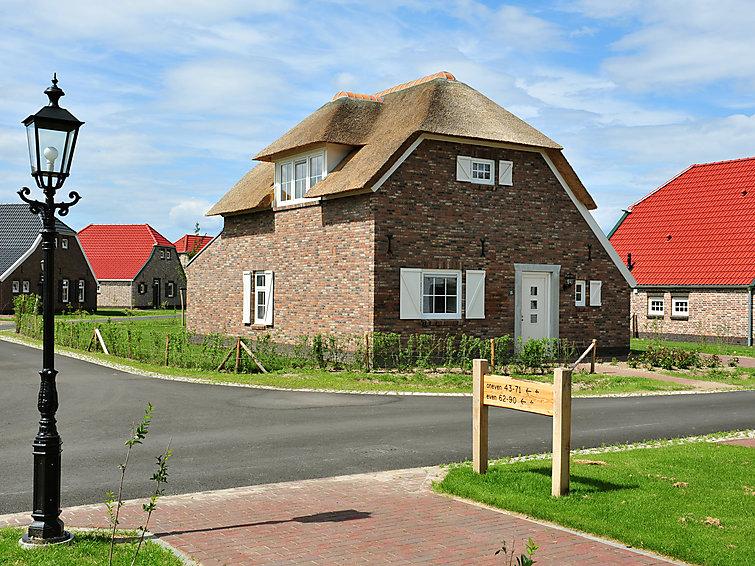 Detached villa (5p) with sauna at Buitenhof De Leistert with subtropical pool in Roggel, Limburg (NL6088.101.4 )