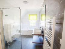Dormio Resort Maastricht mit Pool und Feuerstelle
