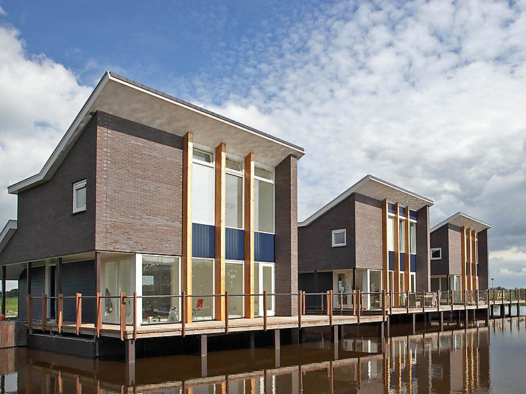 Sauna holiday villa Krekt Oer t Wetter (4p) with your own pier at the lake (NL8624.100.2 )