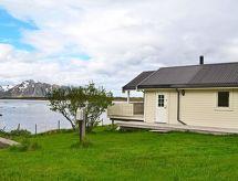Lofoten para caminata nórdica y restaurante cercano