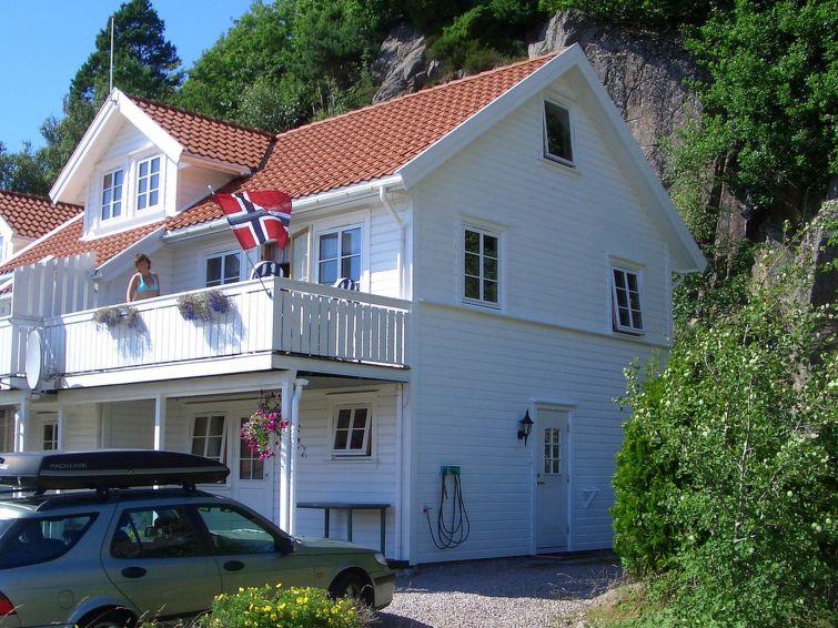 Дом Spangereid