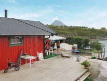 Helgeland mit Garten und Rastaurant in der Nähe