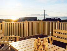 ør-rollnes con wlan y restaurante cercano
